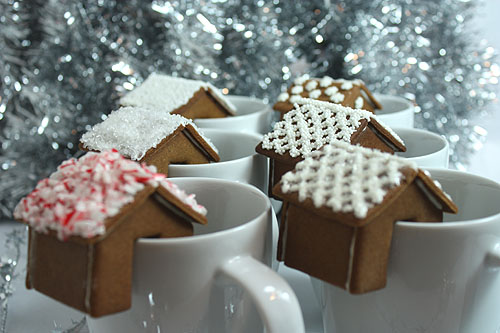 Bildkälla: http://www.notmartha.org/archives/2009/12/18/a-gingerbread-house-that-perches-on-the-rim-of-your-mug/