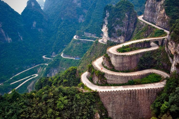 dangerous-roads-06-740x491