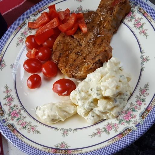 Så himla god grilmiddag. Det är mycket tacksamt (& gott!) att ha en grilltok till sambo. ;)