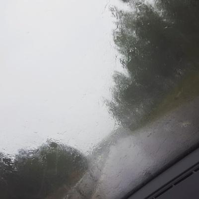 """""""Vi åker hem till solen"""" sa Kalle igår, haha! Detta mötte oss i Avesta. ;) Sen blev det iofs toksol i Barkarby och närmare hemåt, men det blev en så suddig bild, så den får ni inte se."""
