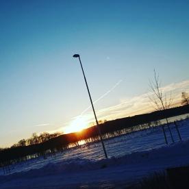 När vi kom till Säter var kl. 14:00 och det var solnedgång, med klar himmel.